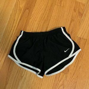girls size xs nike shorts